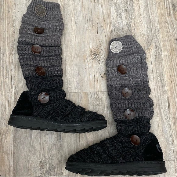 Muk Luks Knitted Sweater Boots with Buttons Sz 8